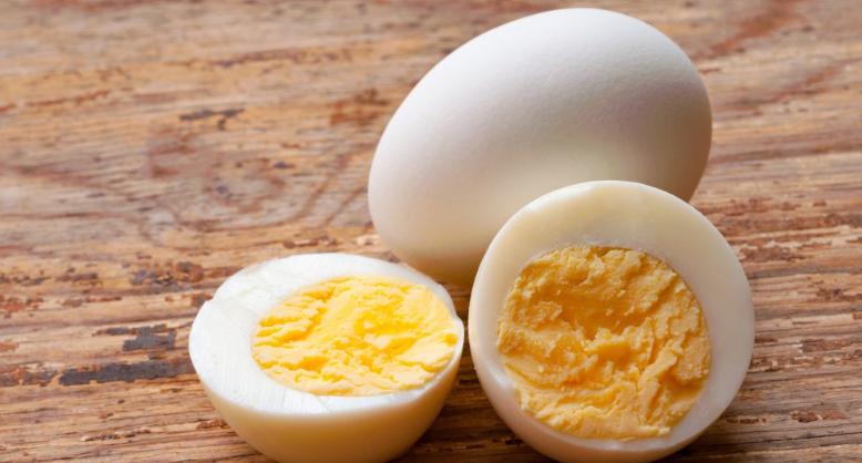 VEJCE NA TVRDO: Jak dlouho vydrží vařené vejce?